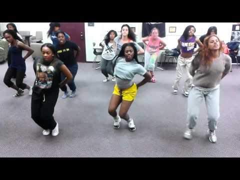 Ayy ladies dance