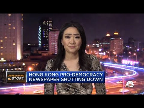 Hong Kong pro-democracy newspaper shuts down under pressure from Beijing