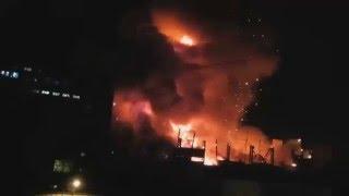 Ого! В Москве Горит Кремль? Пожар!  (Надеюсь Гражданские не пострадали).