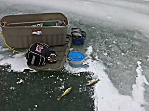 Mitchells bay ice fishing youtube for Ice fishing youtube