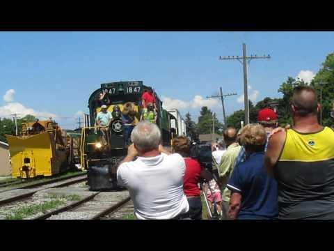 James E. Strates Show Train Arrives in Hamburg, New York 8/4/2016