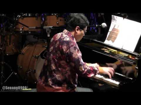 Ananda Sukarlan - Rayuan Pulau Kelapa @ Classic Meets Jazz [HD]