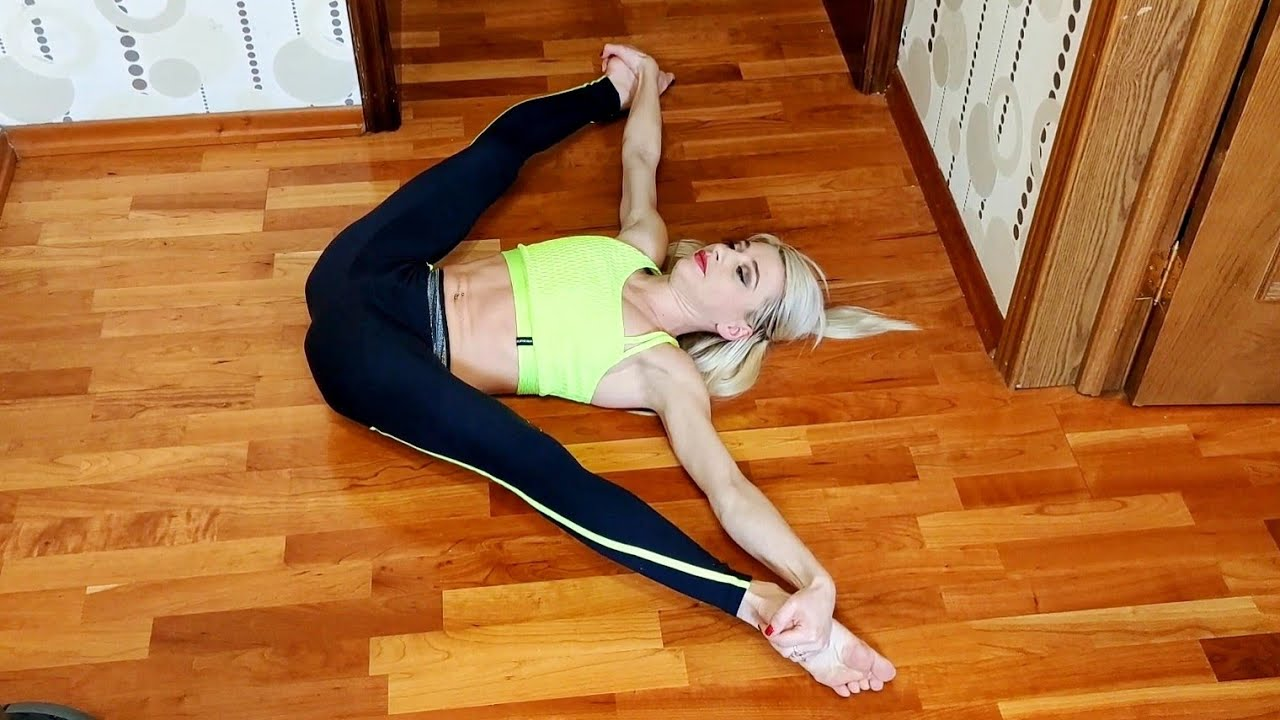 Stretching for beginners. My daily exercise to maintain flexibility.