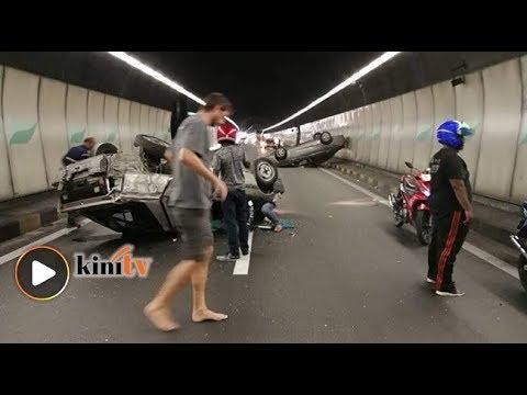 Dua kereta terbalik di Terowong Menora, trafik sesak