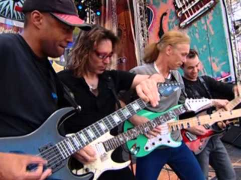 Steve Vai, Tony McAlpine & Billy Sheehan - I'm The Hell Outta Here (Live 2004)