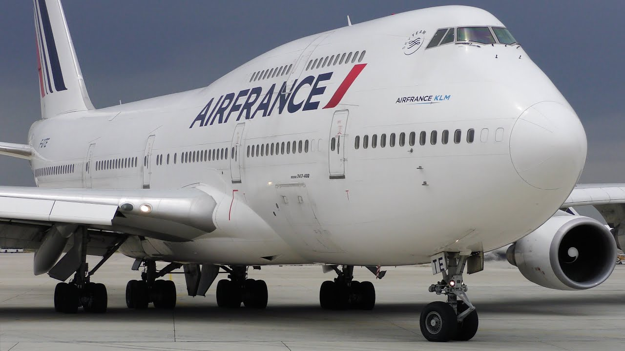 Air france boeing 747 forever gone youtube for Interieur 747 air france