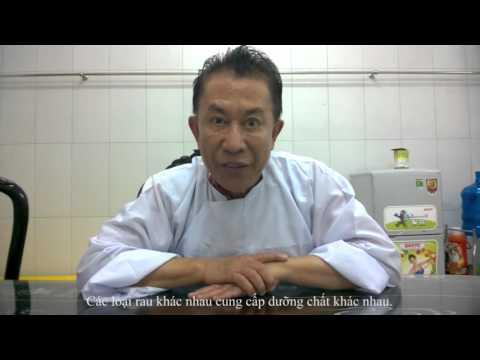 Vua Đầu Bếp Ăn Chay Để Khỏe Trẻ Ở Tuổi Gần 70