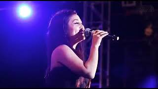 Neha Kakkar sad song live