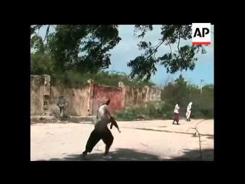 Renewed fighting between government troops and Islamist insurgents in the Somali capital has killed