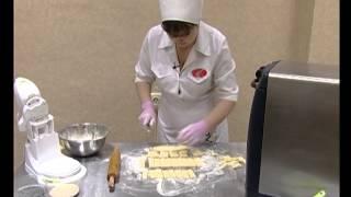 Приготовление песочного печенья.