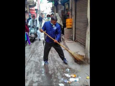 Manas naman seva society द्वारा स्वछता अभियान चिराग दिल्ली(2)