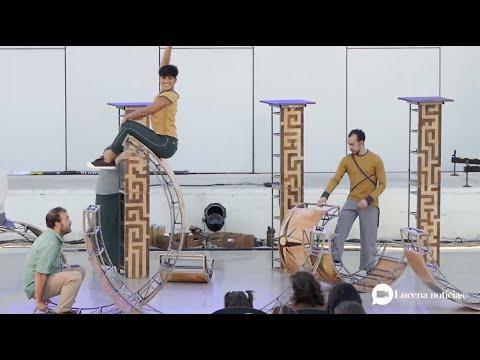 """VÍDEO: Algunas imágenes de la obra """"Esencial"""" de la Compañía Vaivén Circo, en el Auditorio de Lucena"""