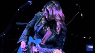 Tedeschi Trucks Band takes the eTown stage for a rousing performanc...
