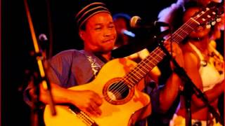 Lay tovolahy  Charles Kely Zana-Rotsy Sy Fafa Mahaleo