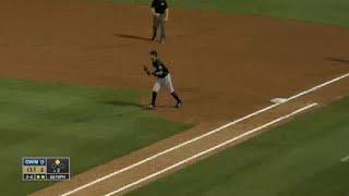Braves' Freeman makes play at third