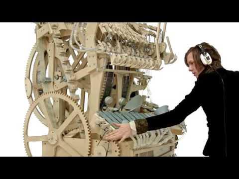 La gigante máquina musical que funciona con canicas