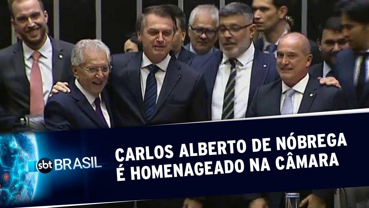 Carlos Alberto de Nóbrega é homenageado na Câmara | SBT Brasil (29/05/19)