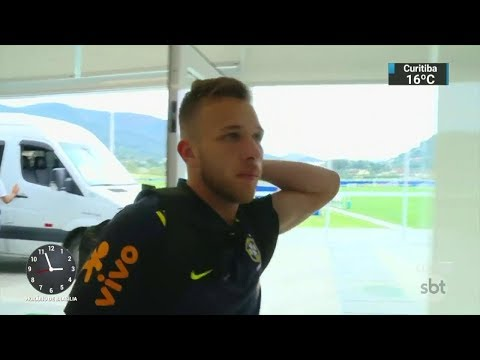 Transferência de Arthur para o Barcelona custará 30 milhões de euros | SBT Notícias (09/03/18) thumbnail