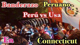 PERÚ VS USA - BANDERAZO PERUANO EN LAS AFUERAS DEL HOTEL SHERATON- CONNECTICUT- USA OCTUBRE 15 2018