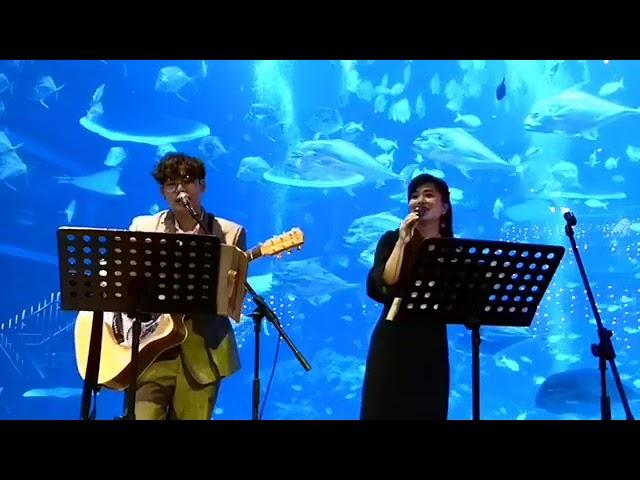 Songbird Emcee Van x Mingwei [SG 2pc Band] - 甜蜜蜜 by 邓丽君 (cover)