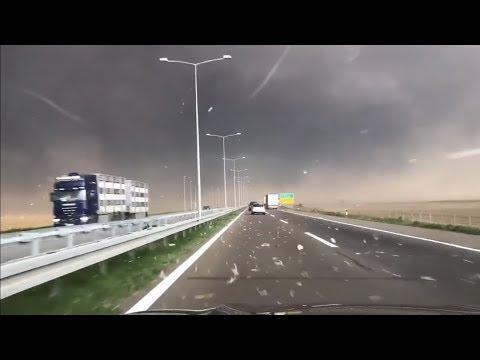 ✅Apocalyptic!Total Dark in The Middle of The Day!Storm in Belgrade!TORNADO U BEOGRADU;APOKALIPTICNO