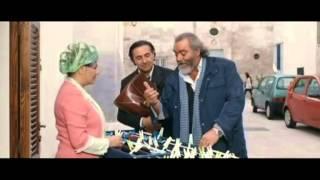 Scena comica venditori ambulanti Diego Abatantuono Antonio Stornaiolo