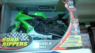 ROAD RIPPERS   MOTORCYCLE   WHEELIE BIKES   KAWASAKI NINJA   TOYS FOR CHILDREN   KMART Tots おもちゃ