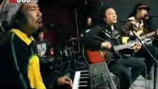 China's Reggae 龙神道 Long Shen Dao  中国雷鬼乐队 --《拥抱》
