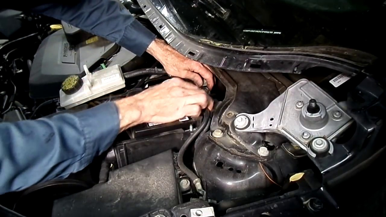 Ford Escape 2013 16 Battery Replacement Youtube