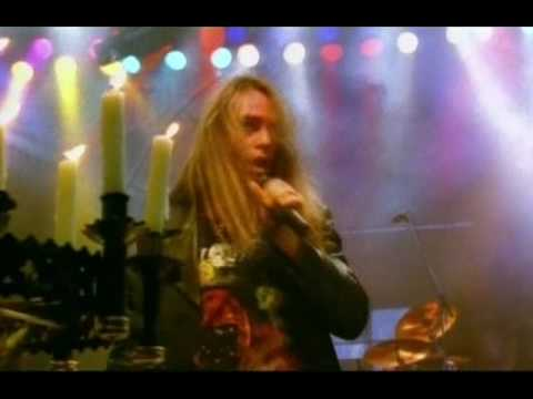 Helloween - Forever And One    tradus romana