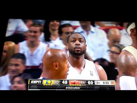 Kevin Hart saves Dwyane Wade and Referee Danny Crawford from falling