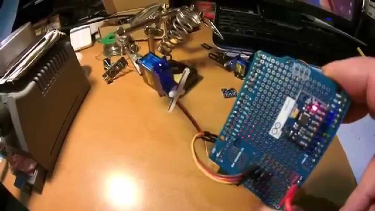 how to connect gyro to servo