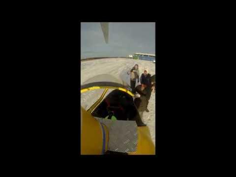 Полет автожира снятый камерой на мачте