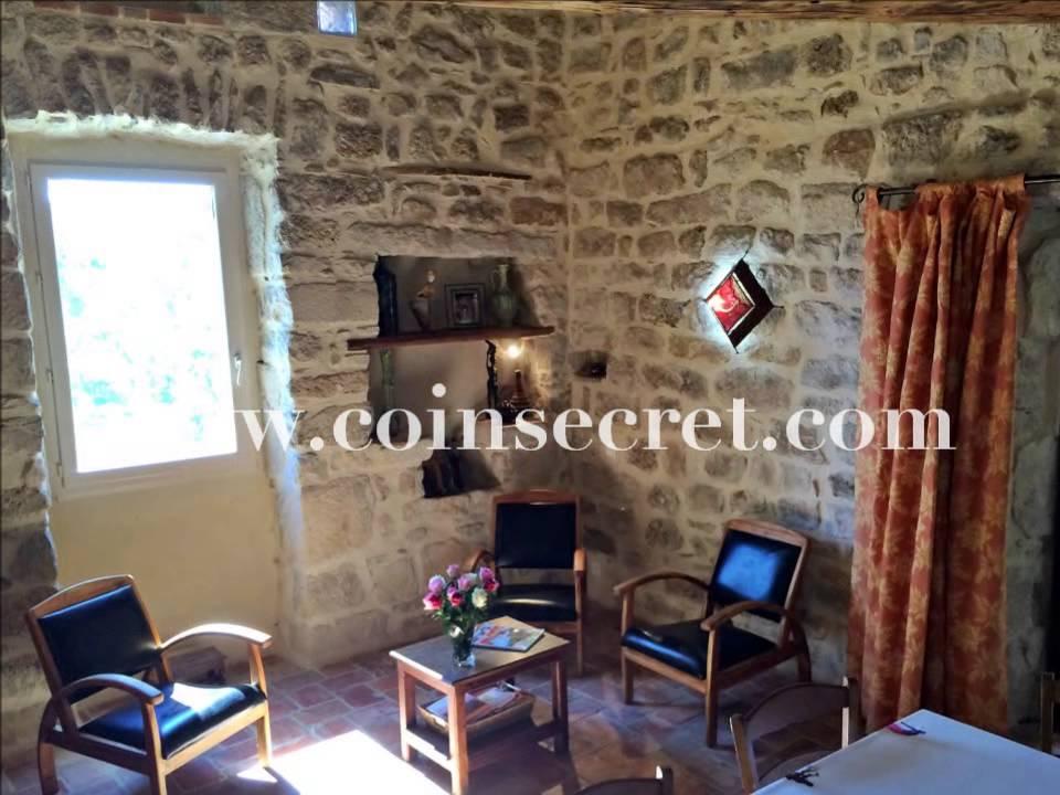Location D'Une Maison Dans Les Bois D'Ardèche, Avec Piscine Et