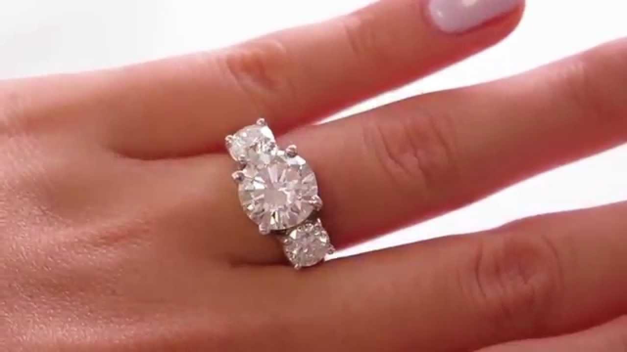Important 4 82ct Estate Vintage Round Diamond 3 Stone