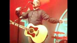 Flogging Molly - Black Friday Rule Dennis Casey solo - Berlin 26.06.12