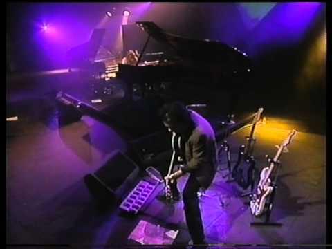 tori amos cornflake girl live from new york  23 1 1997