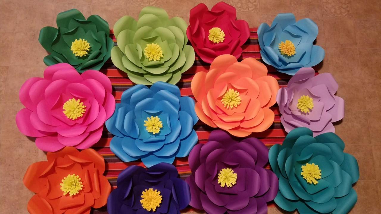 Diy Como Hacer Flores Gigantes De Papel Paper Flowers Backdrop