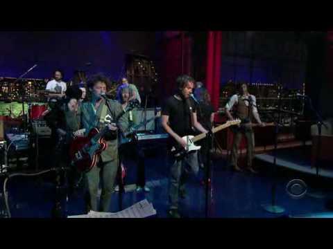 Broken Social Scene - Fire Eye'd Boy Live on Letterman