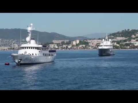 Boat travel Nice Saint Tropez summer