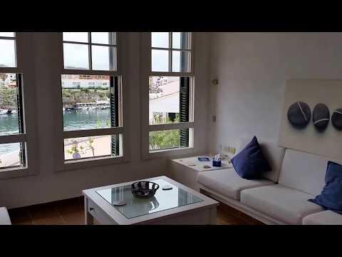 Casa de primera linea, 3 dormitorios con magníficas vistas al mar y Calas Fonts.