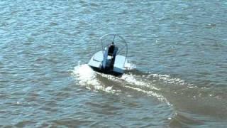 Airboat 25cc - próba na wodzie