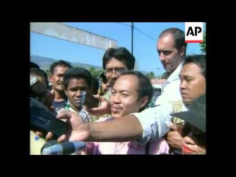 INDONESIA/EAST TIMOR: REFERENDUM: BELO CASTS VOTE