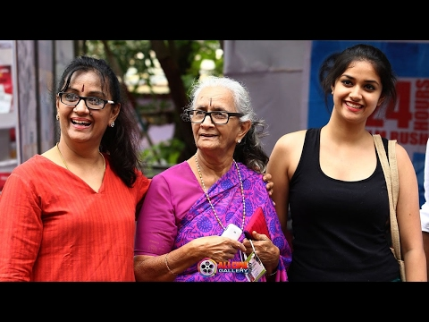 Actress Menaka Suresh Family Photos with Husband, Daughters Revathy & Keerthi Suresh- New 2017