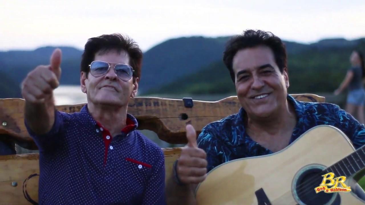 Feliz Ano Novo - Moda Primeiro Lugar - Bob e Robison.