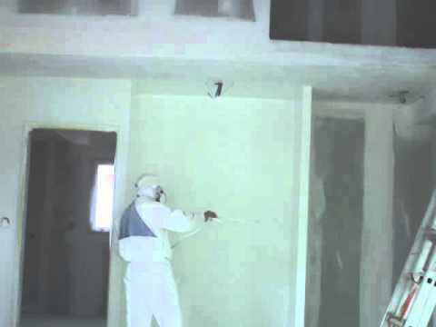 Peinture au pistolet des murs d 39 une maison neuve dans le 37 youtube - Peinture maison neuve ...