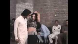 O Lal Dupatte Wali Govinda, Chunky Pandey, Rageshwari, Aankhen,pashto Dance, Indian New.mp3