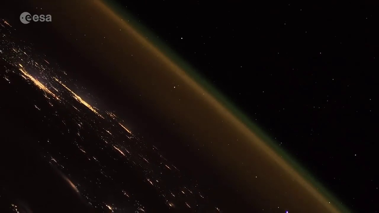 russian rocket launch seen by space station amazing time lapse