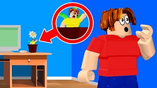 Playing HIDE & SEEK in Roblox!