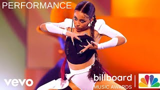 Doja Cat feat. SZA Performs Kiss Me More at the 2021 Billboard Music Awards.